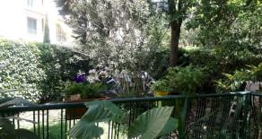 Via dei Filosofi appartamento con giardino