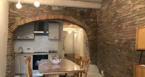 Corso Cavour appartamento con ingresso indipendente