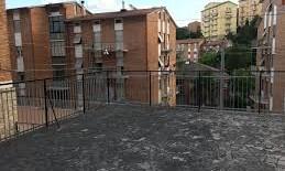 Monteluce  miniappartamento con ampio terrazzo