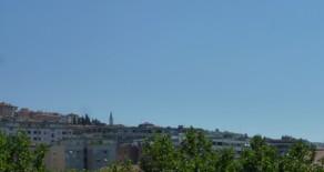 Semicentro monolocale ristrutturato con balconcino