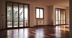 Case Bruciate appartamento con finiture di alto livello