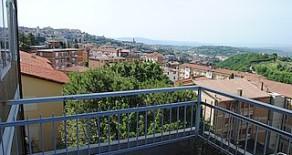 Elce appartamento di ampia metratura con terrazzi