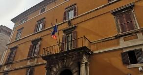 Via Baglioni appartamento con 2 camere e terrazzino ristrutturato nuovo